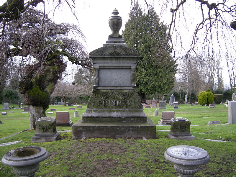 800px-Seattle_-_Lake_View_Cemetery_-_Phinney_family_plot