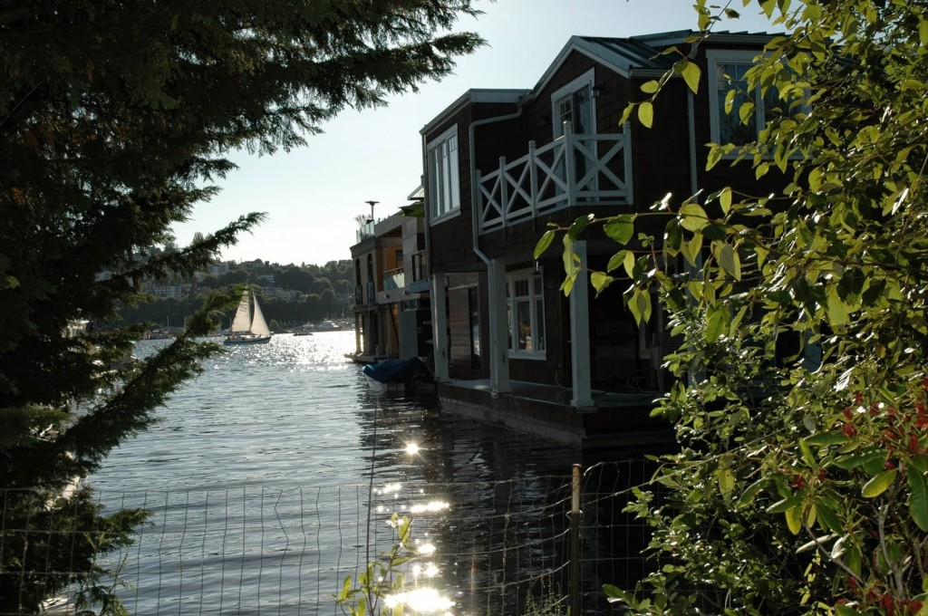 Floating homes and houseboats are two different things. The former are permanently connected to their docks, and they come equipped with all the standard utilities like electricity and sewer. Houseboats move. They are moored in marinas, and they are classified as vessels, not homes.