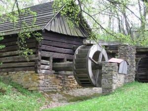 sawmill-maple-leaf