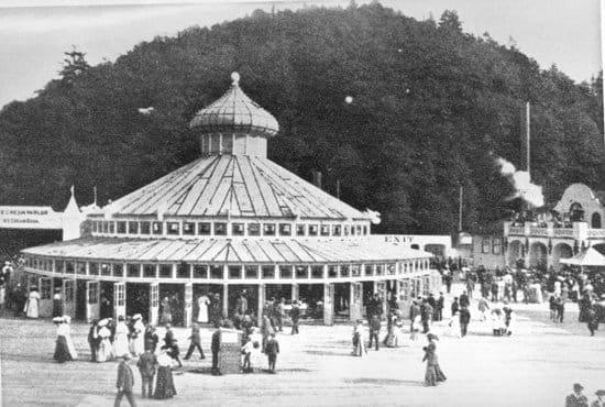 Luna_Park_Carousel-2