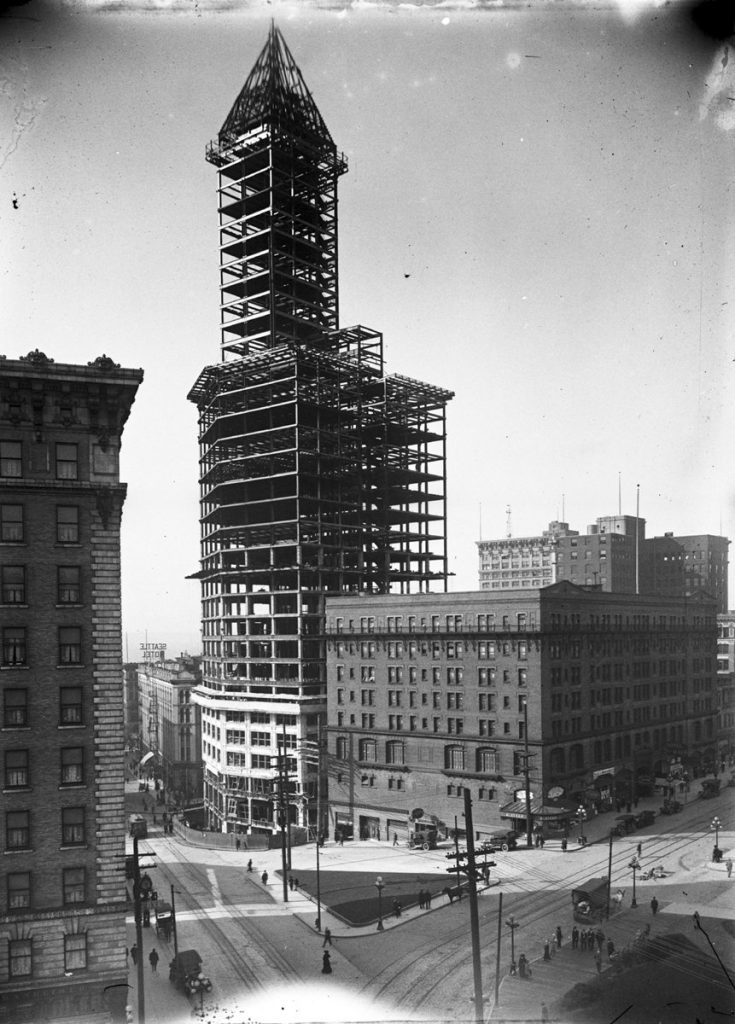 Seattle_-_Smith_Tower_under_construction_-_1913